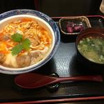 香房 - 地鶏親子丼、みそ汁セット 1100円
