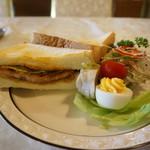 レストラン冨士屋 - 1日20食限定のカツサンド・・お持ち帰りも出来ます。