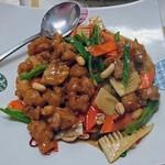 鞍山 - 鶏とピーナツ野菜炒め