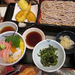 夢庵 - 料理写真:夢庵ランチ、海鮮丼蕎麦