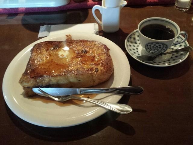 カフェ・フィユ・ドゥ・ヴァンサンヌ - フレンチトースト + ニレブレンド
