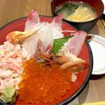 57057187 - カニとイクラと地魚丼1998円