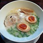 至極の麺 華 - 【ラーメン + 味付け玉子】¥700 + ¥100
