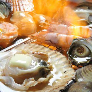 瀬戸内の新鮮魚貝類や、北海道の魚貝が毎日入荷♪