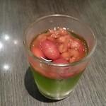 中国料理 桃翠 - ゼリーの小豆添え。