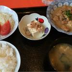おふくろ亭 - 煮込みホルモン定食