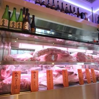希少部位を含む本物の一頭買が分かるショーケースのお肉
