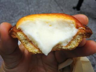 ベイク チーズ タルト 自由が丘店 - トロットロのクリチフィリング、カリッカリの生地♪