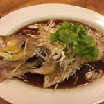 チャイニーズ酒場 エンギ - キアラの姿蒸し物海鮮醤油ソース