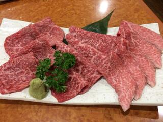炭火焼肉 牛和鹿 - 極上ロース盛り(4480円) この赤身は美味しい!