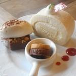 パ・ドゥ・ドゥ洋菓子店 - 料理写真:平飼い卵のミルクロールケーキ、クッキー、ブラウニー