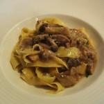 57069409 - 手打ちパスタのフィットチーネ:イタリア産のポルチーニ茸をシンプルに楽しむソースです。