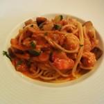 57069414 - 海老と季節の根菜のトマトソーススパゲッティ。