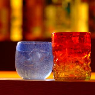 ワイン、泡盛のボトルをご注文の方に琉球ガラスをプレゼント♪