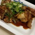 松屋 - 鶏のバター醤油炒め。にんにくが利いてて美味しい(´∀`艸)