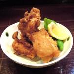 アジト - 鶏の唐揚げ