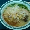 ラーメン潮騒 - 料理写真:ラーメン600円 鹿児島ってビジュアルとお味、ボリュームもあり (個人の感想です)(^^;)