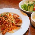 Livingston Cafe - ベーコンと季節の野菜のトマトパスタ