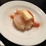 天ぷら割烹 なかじん - 帆立貝柱の天ぷら、トロりバターと粉末醤油