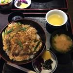 きはらし - カツ丼セット ¥900 ・ごくごく普通に美味しい。が、高いかな。