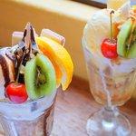 Livingston Cafe - チョコレートパフェ・キャラメルパフェ