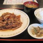 東寅 - 豚肉と玉葱炒め定食