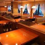 551蓬莱 - 1階 テーブル席