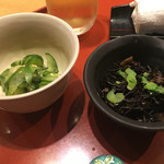旬の味 たき下 - 小鉢2種 左)胡瓜とわかめの酢の物風、右)ひじき 2016/10/07(金)訪問
