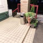 リンガーハット - 店外の喫煙スペース
