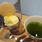 すすむ屋茶店 - アイスクリームぜんざい