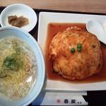 57109990 - 天津飯とカニあんかけそば700円(税込)