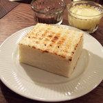 カフェ マメヒコ パートⅢ - 小豆トースト(500円)