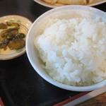 あさ利 - ご飯と漬物