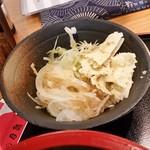 蛇の目鮨 - ランチ定食のサラダ