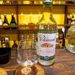唐辛子バル チレデルナ メキシコ - 仏マルティニーク産のラム「クレマン」(¥432)。本格的なアグリコールラムが、この価格で飲める