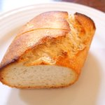 57116665 - プレートランチ 1480円 のパン