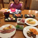 Hoterusambareizunagaoka - 夕食バイキング、天ぷら、お寿司にローストビーフに(^∇^)