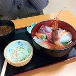 いさばや食堂 - 特選海鮮丼