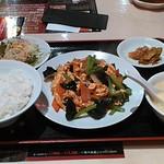 南国亭 - 玉子ときくらげの炒め定食