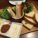 57123080 - (2016.8)鯛アンチョビクリームと鯛味噌の旬野菜のバーニャカウダー