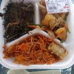 Aコープ - 料理写真:お惣菜の盛り合わせ、¥299。