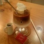 VAULT COFFEE - ロータスのビスコフ付きです