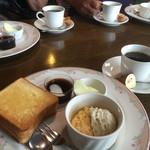 グランチェスター - ブレンドコーヒー400円とAモーニング