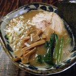 つけめん・らーめん活龍 - 醤油豚骨700円(プレオープン中は500円)