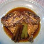 風らい坊 - 鯛のあら炊き。美味しかったけどモノの割には高かったかな?
