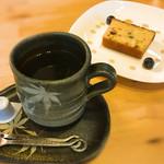 57130650 - 500円のケーキセット、コーヒー単品だとクッキーが付きました。