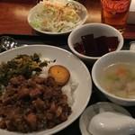 57132354 - ランチの「台湾丼」大盛り                       「ルーロー飯ですな❣️