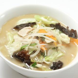 優しい味のさっぱり野菜塩麺