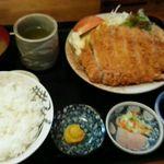 キッチンたうち - とんかつ定食(上)2270円
