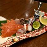 兆路 - 秋鮭と秋刀魚お造り盛合せ